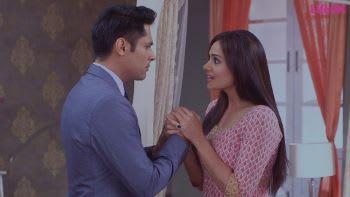 Watch Dream Girl episode 249 Raghu-Aarti Profess Their Love